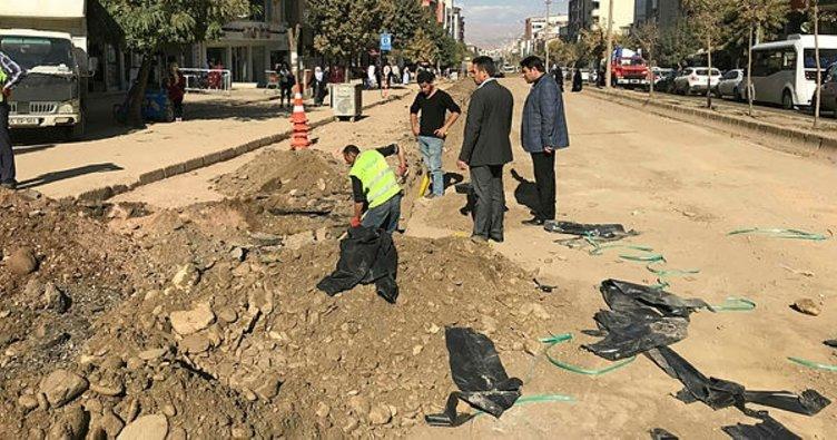 İstasyon Caddesi'ndeki kazı ve döşeme çalışmalarında sona gelindi