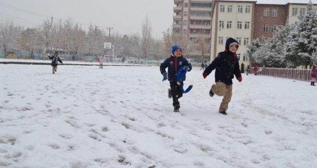 İzmir'de okullar tatil mi?(12 Ocak Perşembe) İzmir Valiliği'nden son dakika açıklaması geldi mi?