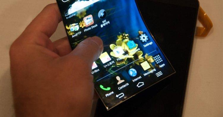 Samsung o telefonunu gizlice gösterdi!