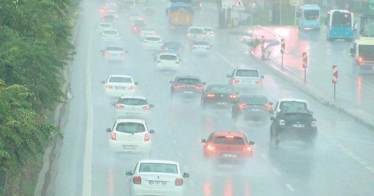 Yağmur İstanbul'u göle çevirdi