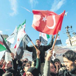 Azez'de teröriste tepki Türkiye'ye davet