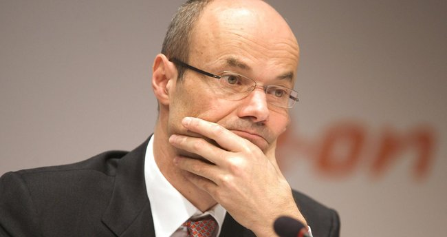 Deutsche Bank 10 bin çalışanı işten çıkarıyor