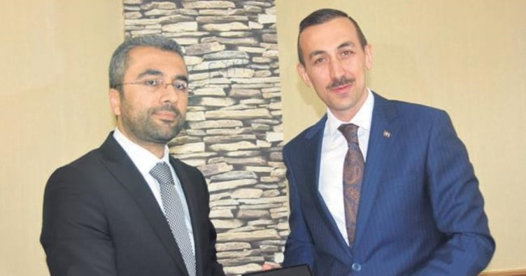 Van Edremit'te AK Parti adayı başkan oldu