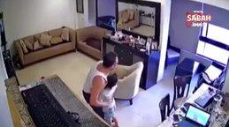 Lübnanlı babanın dev patlama anında çocuğunu korumaya çalıştığı anlar kamerada | Video