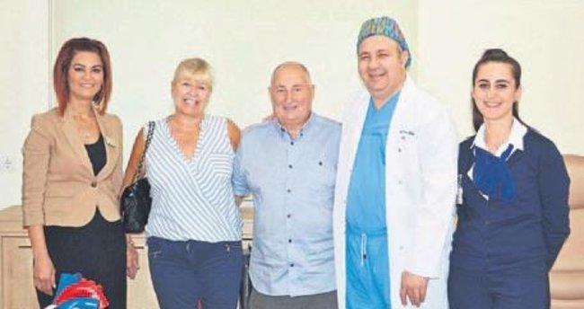 İngiliz hasta İzmir'de hayata döndürüldü