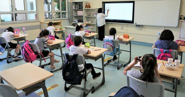 Ortaokul ve lise öğrencileri yüz yüze eğitime başladı