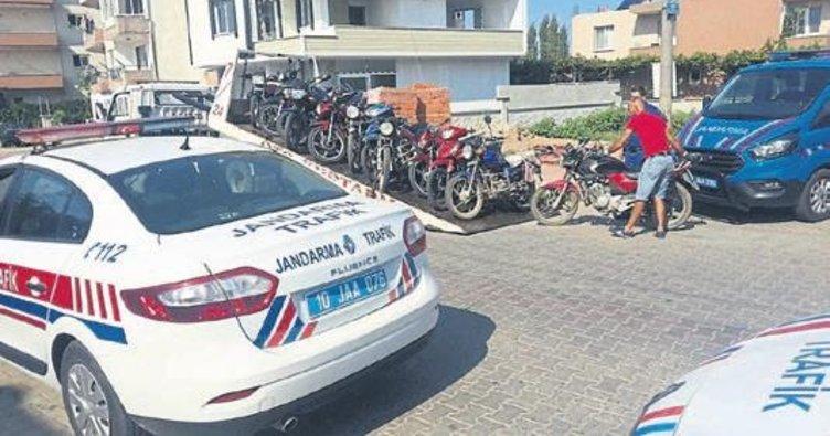 Balıkesir'de motosiklet sürücülerine ceza yağdı