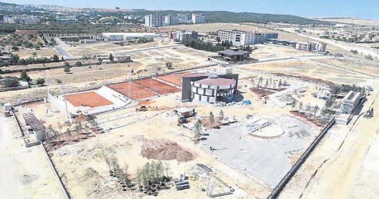 Gaziantep Büyükşehir'den yeni bir tenis kompleksi