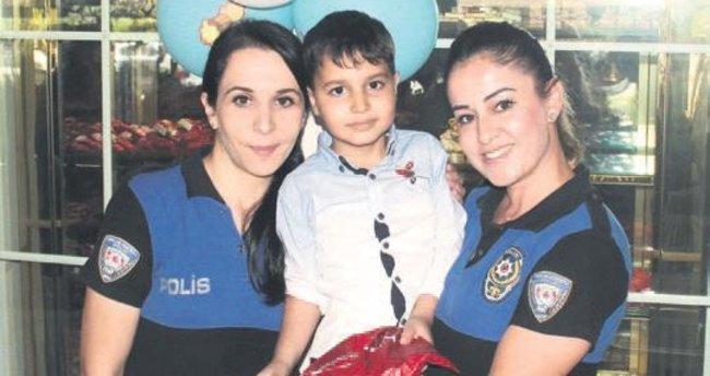 Lösemiyi polislerle yendi, yaş gününü onlarla kutladı