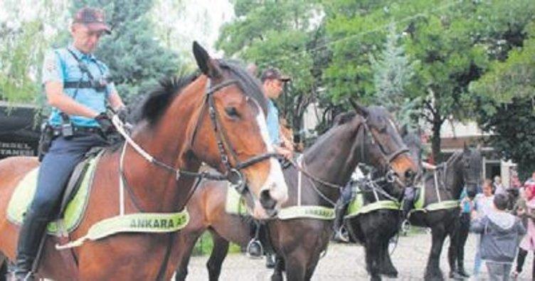 Beypazarı sokaklarında atlı polisler geziyor