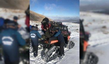 Erciyes'te iki dağcıyı jandarma kurtardı