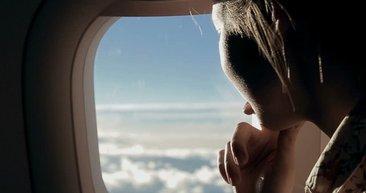 Eğer uçakta cam kenarında oturuyorsanız...
