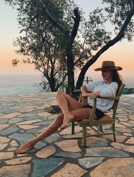 Hande Erçel Serenay Sarıkaya'yı takip mi ediyor? İki güzel arasındaki rekabet…