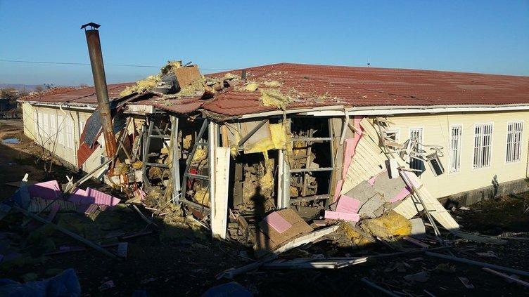 PKK'lılar köy okulunu havaya uçurdu!