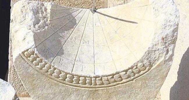 2 bin yıllık güneş saati bulundu - Egeli Sabah Haberleri
