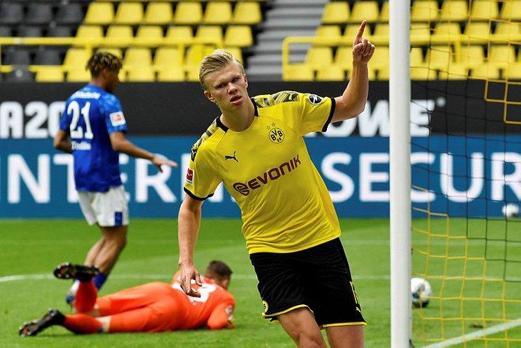 Borussia Dortmund'dan 'sosyal mesafeli' gol sevinci