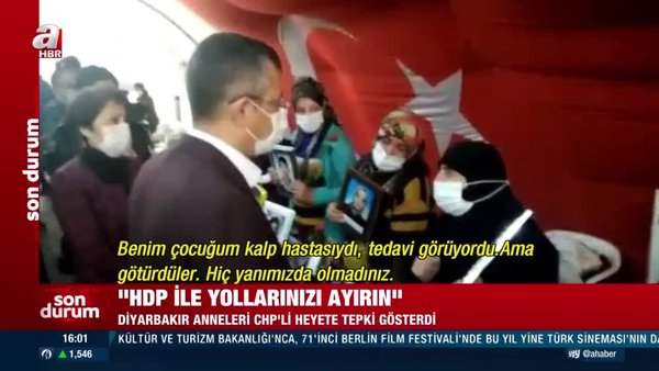 SON DAKİKA: CHP'li Özgür Özel'e Diyarbakır'da evlat nöbetindeki ailelerden tepki   Video