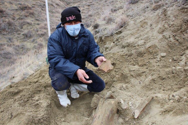 Amasya'da heyecanlandıran buluş! Köylüler içme suyu ararken buldu