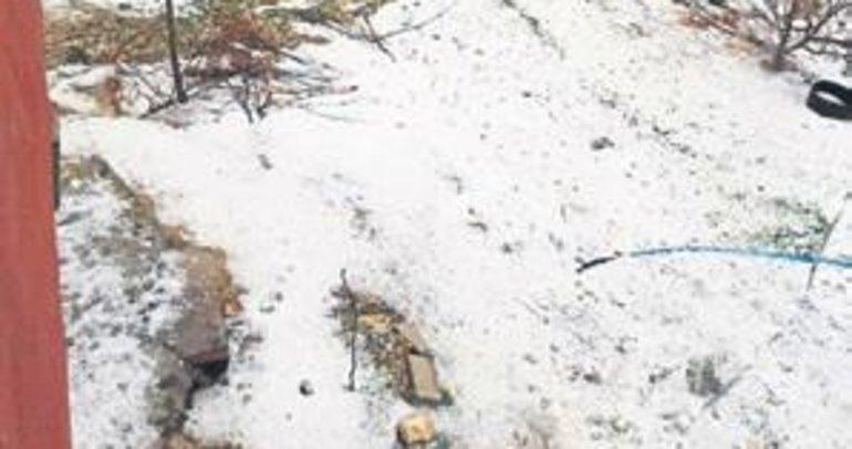 Mersin'de ceviz büyüklüğünde dolu yağdı