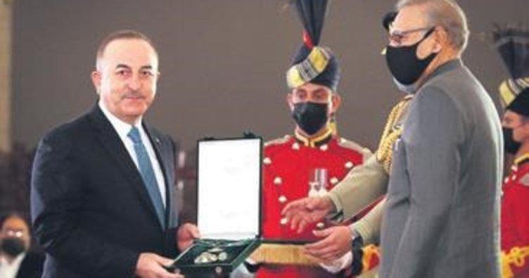 Pakistan'dan Çavuşoğlu'na devlet nişanı