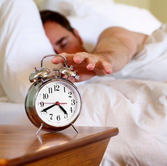 Sabahları kolayca uyanıp yataktan çıkabilmenin yolları
