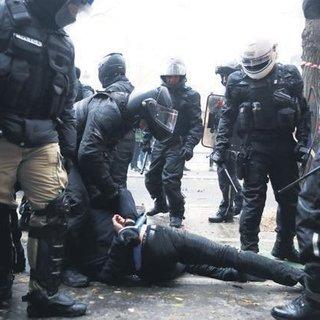 Türk gazeteciye polis şiddeti