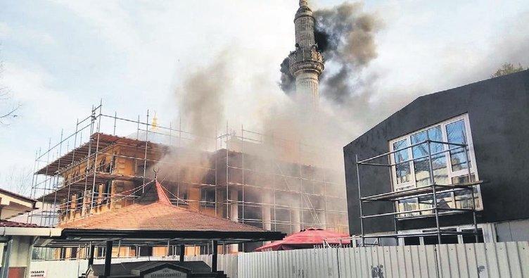 Teşvikiye Camisi'nde restorasyon yangını