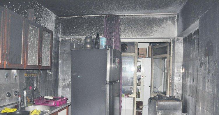 Kocasının mezar taşı yapıldığı gün evi yandı