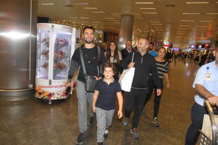 Ünlü isimler tatil dönüşü havaalanında yakalandı!