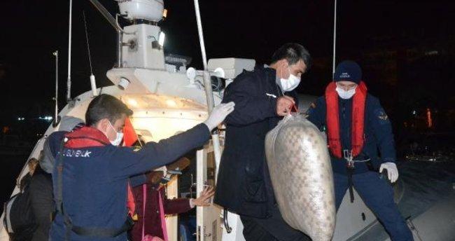 İzmir'de toplam 123 kaçak göçmen kurtarıldı