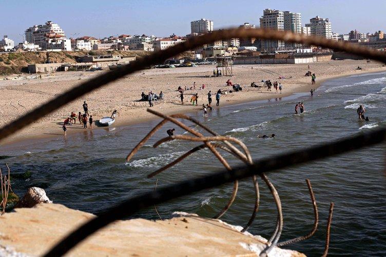 Gazze' de deniz keyfi