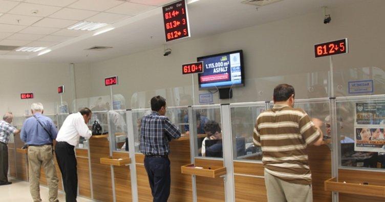 Pazartesi Arefe günü bankalar açık mı? - 20 Ağustos Arefe Günü PTT ve bankalar saat kaça kadar açık olur?