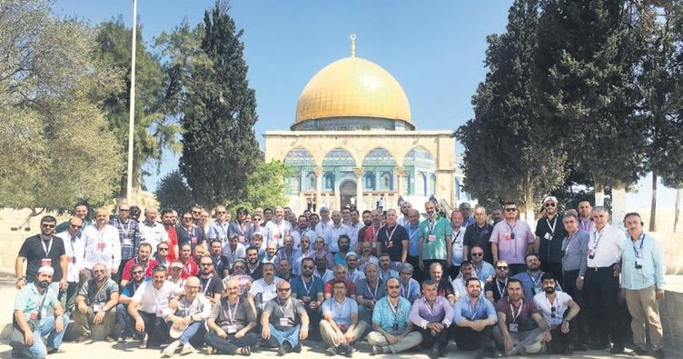 MÜSİAD Mescid-i Aksa'da cuma namazı kıldı