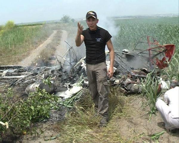 Adana'da gösteri uçağı düştü