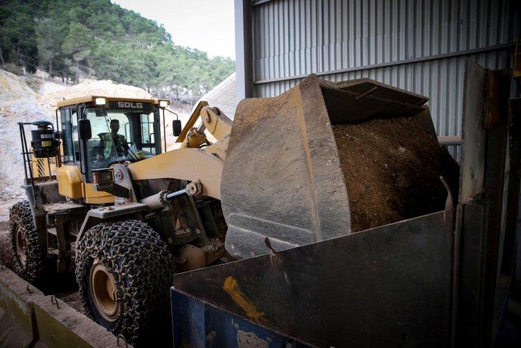 20 gramlık altın bilezik için 5 ton kaya işliyorlar