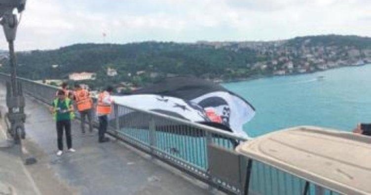 Boğaz'da sıra şampiyon Beşiktaş'ın bayrağında
