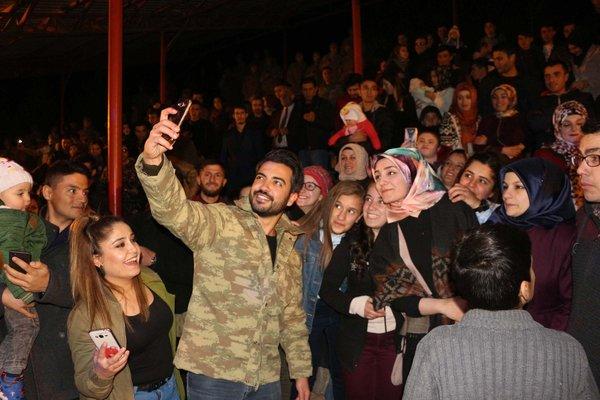 Yusuf Güney: Kariyerimin en anlamlı konserlerini Mehmetçiklerimize verdim