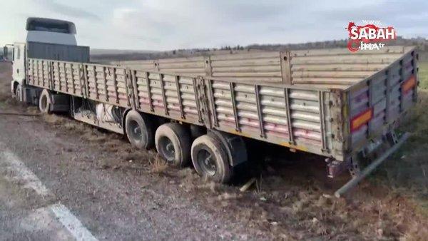 Kontrolden çıkan tır, tarım arazisine girerek durabildi | Video
