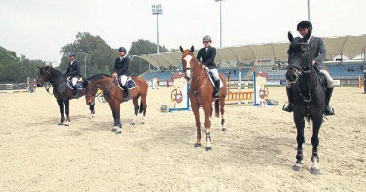 77 at yarıştı, birinci SIEC Casthago