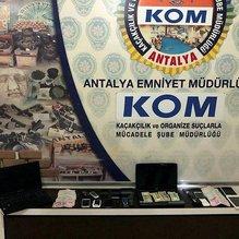 Antalya'da gaybubet evine baskın: 6 gözaltı