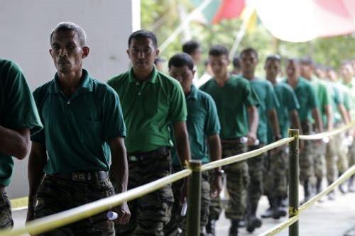 Filipinler'de Moro İslami Kurtuluş Cephesi silah bıraktı