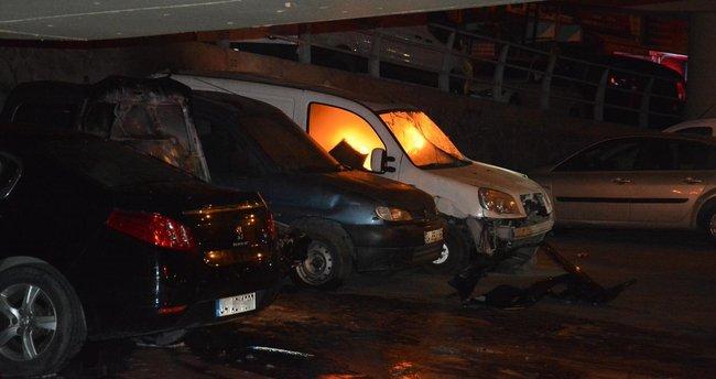 Şişli'de 3 otomobil alev alev yandı