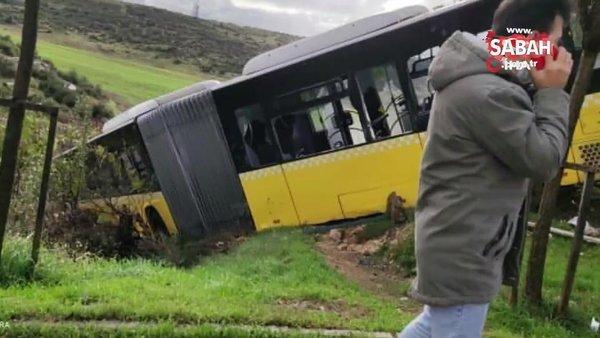 Son dakika! İstanbul Kayaşehir'de yoldan çıkan İETT otobüsü yolun kenarındaki boş araziye uçtu   Video