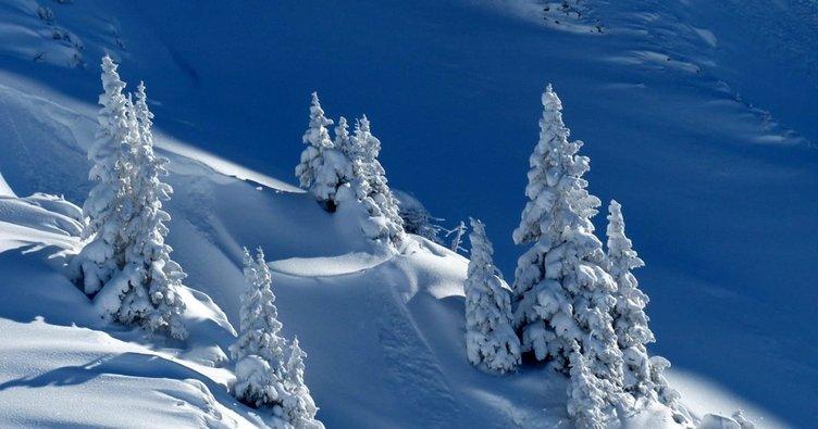 Rüyada kar yağdığını görmek nasıl yorumlanır? Rüyada kar görmek, karda yürümek, kar yemek ne anlama gelir, neye işarettir?