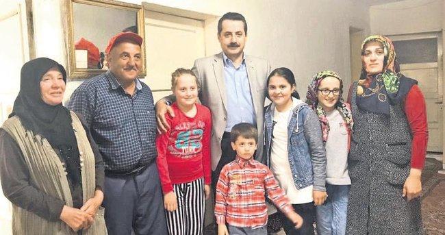 Şehit Muhtar Anar'ın ailesine Bakan'dan taziye