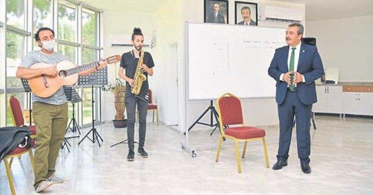 Başkan Soner Çetin gençlerle sohbet etti