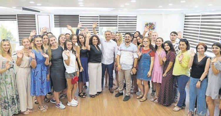Kazanlı öğrenciler Antalya'nın konuğu