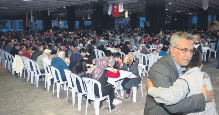 Pursaklar'da Kızılay'la iftar
