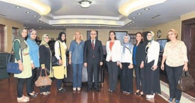 Seyhan AK Parti Kadın Kolları Vali Demirtaş'ı ziyaret etti