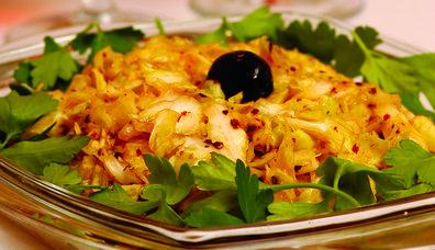 Acılı Lahana Salatası